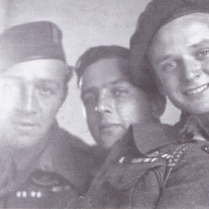 1 SAS Officers 1944