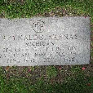 R. Arenas (Grave)